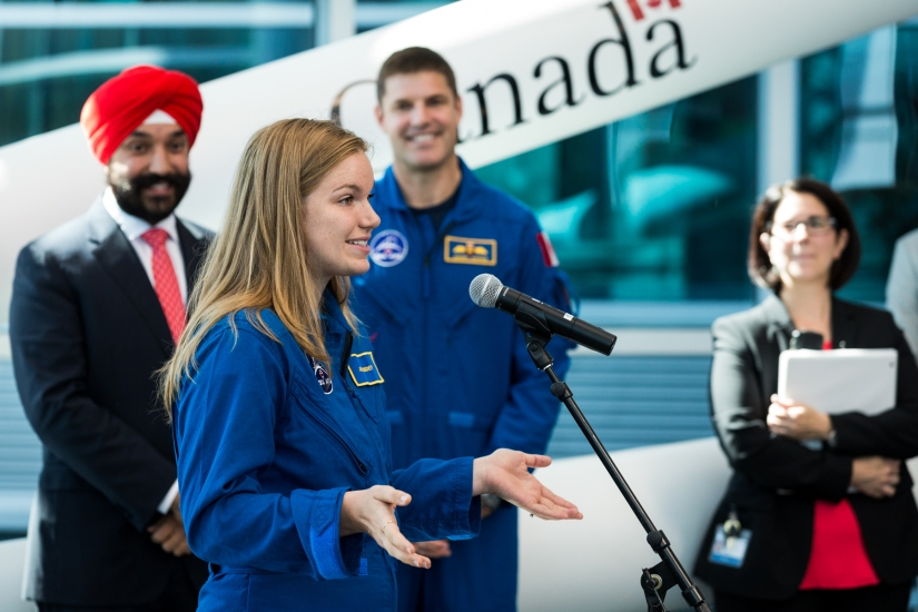 Grad Talk: To infinity and beyond the bubble with astronaut Jenni Sidey